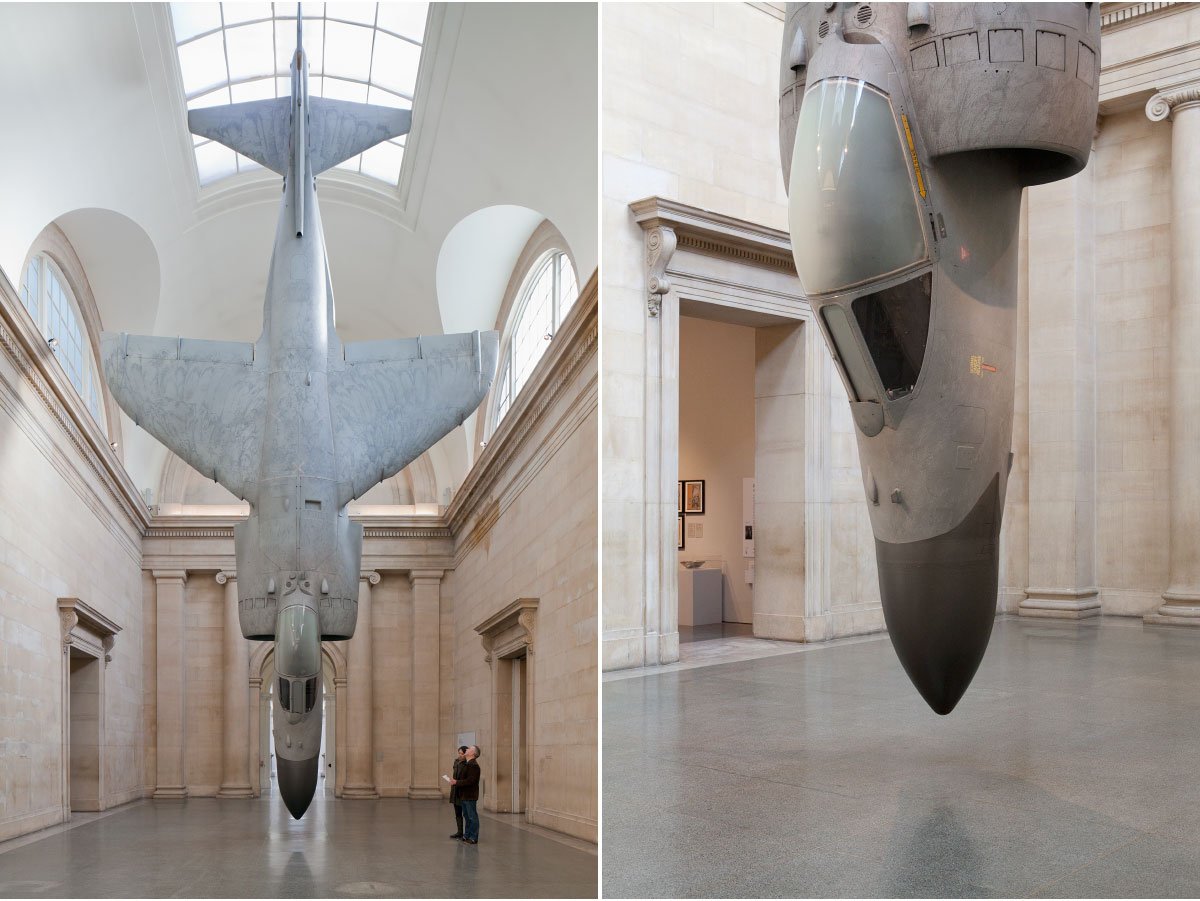 2010-London-Tate-Britain-Fiona-Banner-Harrier-038-018 (1)